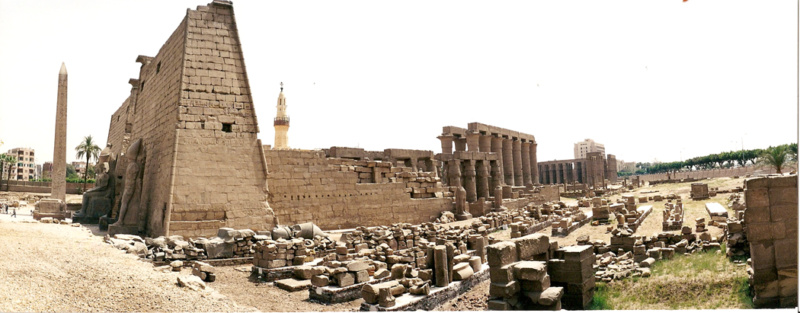 luxor_temple_side